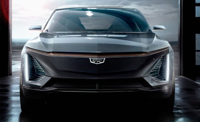 All-Electric Cadillac XT5 Platform and Exterior Design