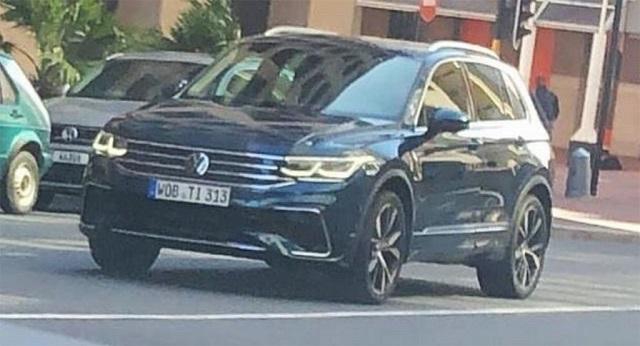 2021 VW Tiguan R spy shot