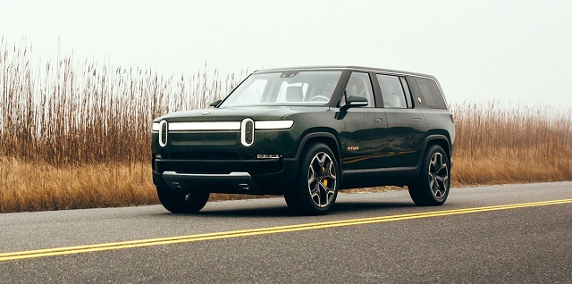 2021 Rivian R1S front