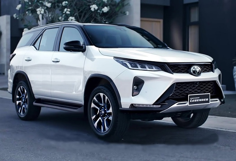 2021 Toyota Fortuner featured