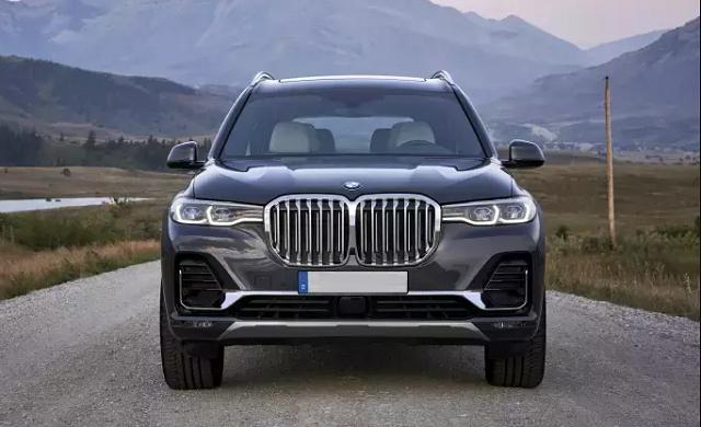 2021 BMW X8 Front