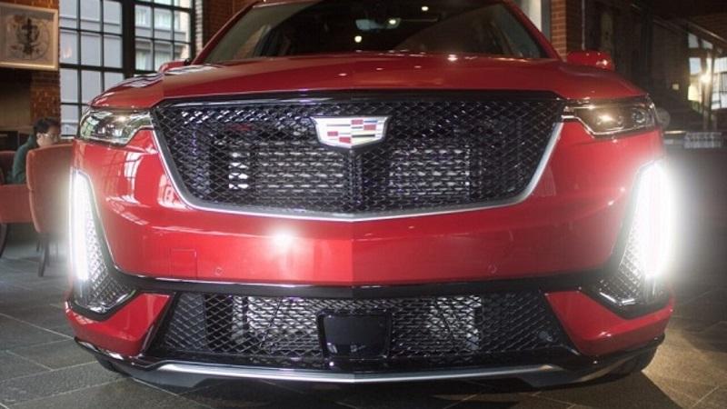2021 Cadillac XT7 featured
