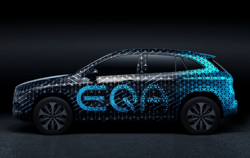 2022 Mercedes Benz EQA featured