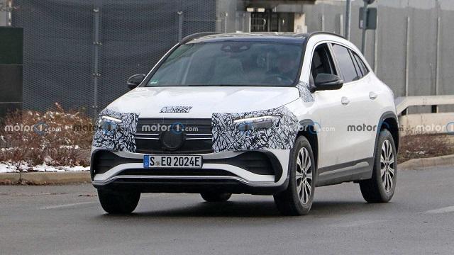 2022 Mercedes Benz EQA spy photo