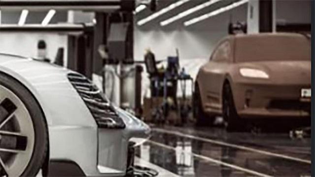 2022 Porsche Macan EV Photo