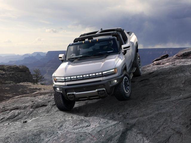 2022 GMC Hummer featured