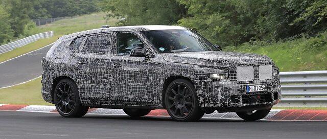 2022 BMW X8 spy shot 2